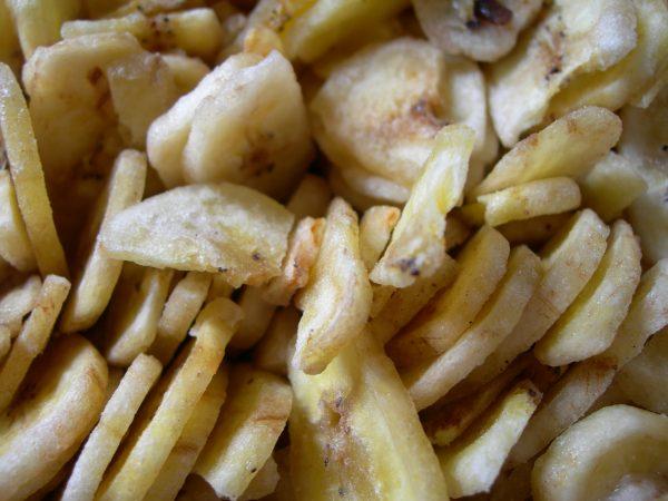 Banana_chips_(close-up).jpg